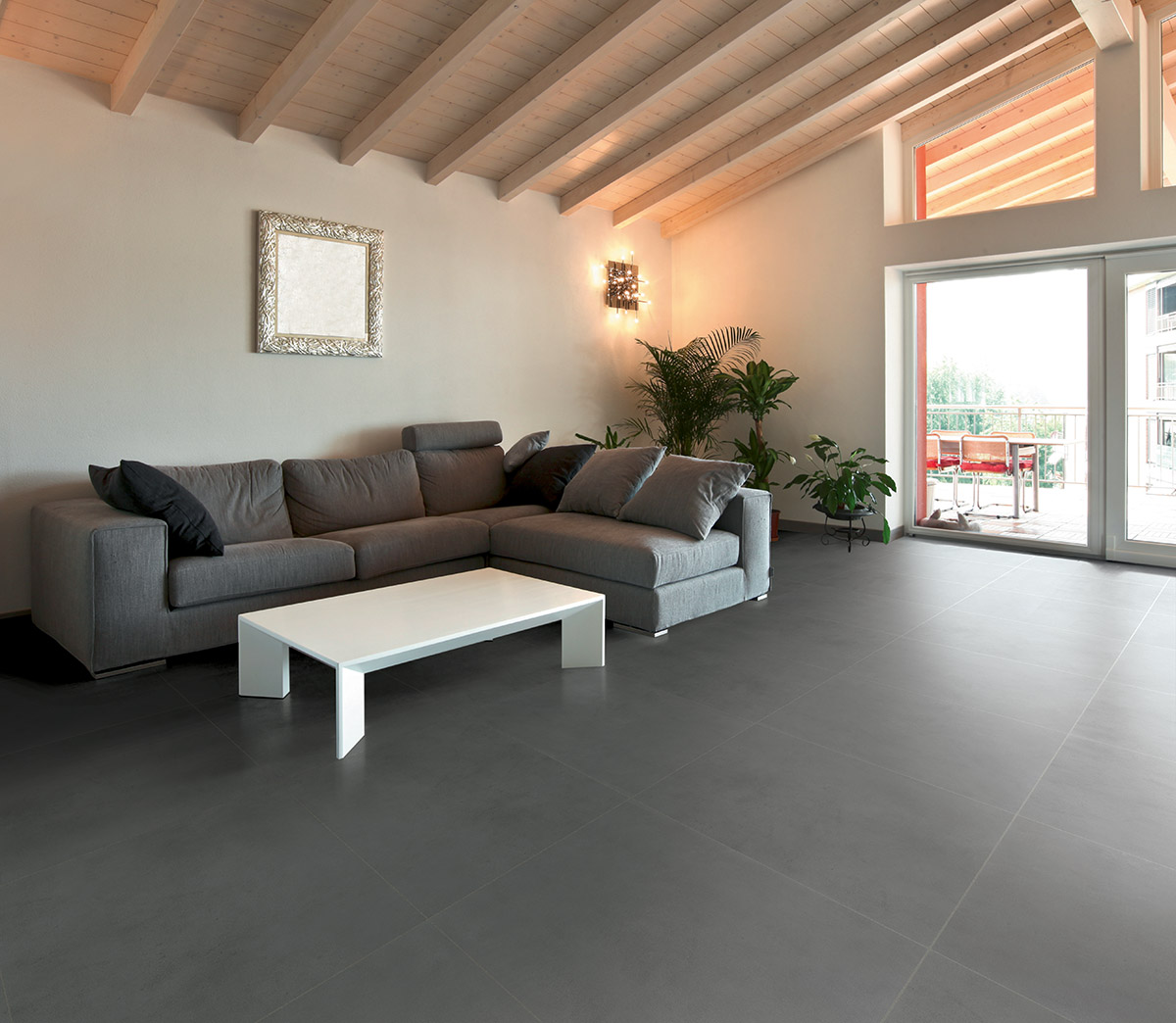Betontech part of the four shades concept terratinta for Donker interieur
